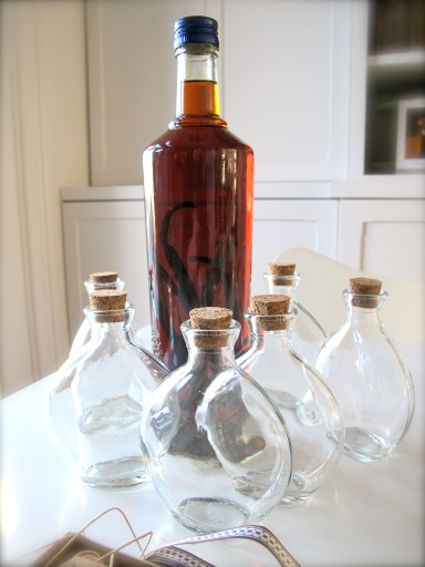 Bottling Homemade Vanilla Extract