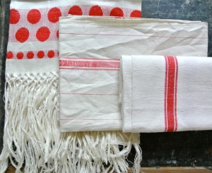 Vintage French Linens, Saturday, May 10th, shopping at Antique Mall for Props